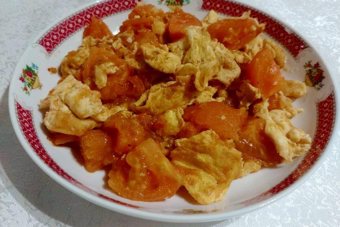 Oeufs frits à la tomate (à la chinoise)