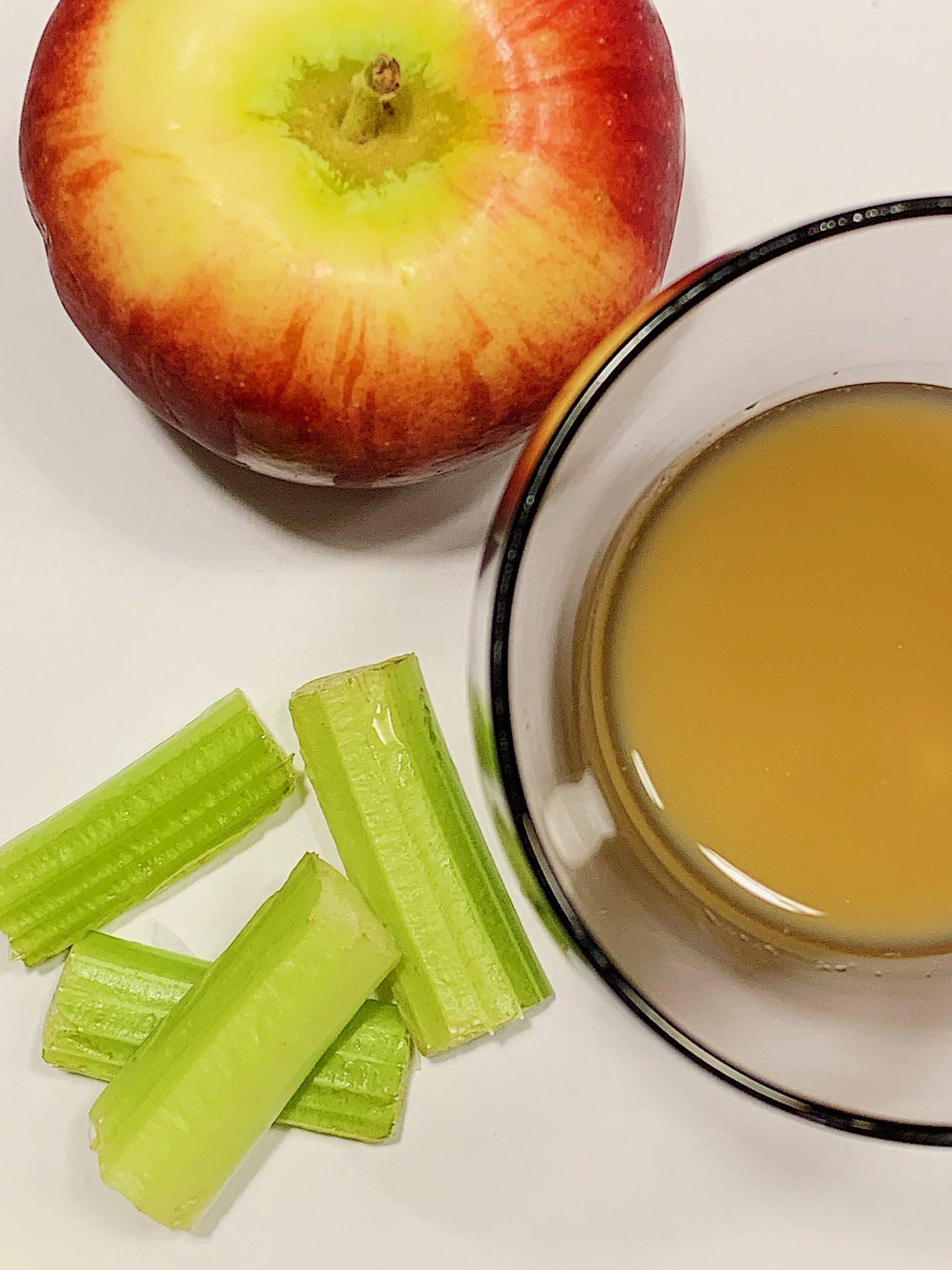 Jus de pomme, céleri et gingembre