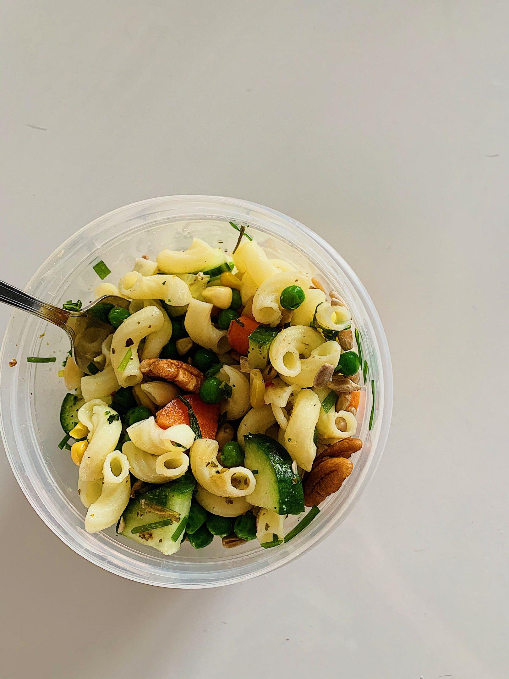 Macaronis express aux légumes du jardin