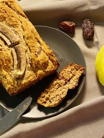 Pain aux bananes et dattes