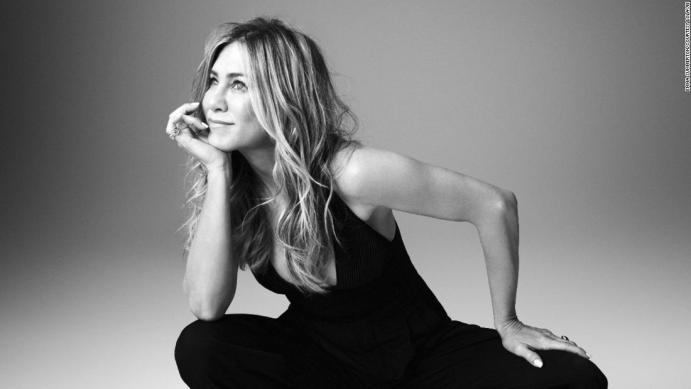 Jennifer Aniston lance LolaVie, sa marque de cosmétiques